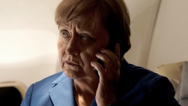 """Szene aus dem Film """"Stunden der Entscheidung - Angela Merkel und die Flüchtlinge"""""""