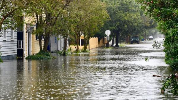 """Überschwemmungen in Charleston nach Hurrikan """"Dorian"""""""