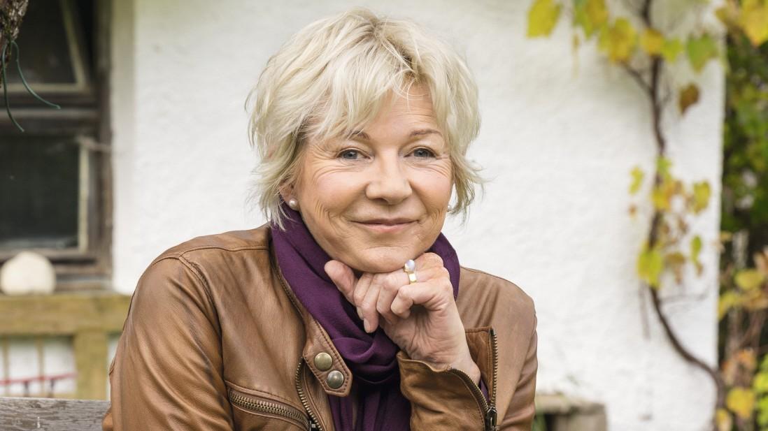 Rita Falk startet Lesetour zu Guglhupfgeschwader