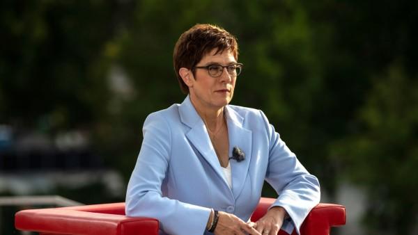 CDU-Chefin Kramp-Karrenbauer im ARD-Sommerinterview 2019