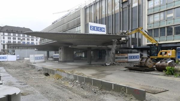 Hauptbahnhof München Abriss des Vordachs genannt Schwammerl