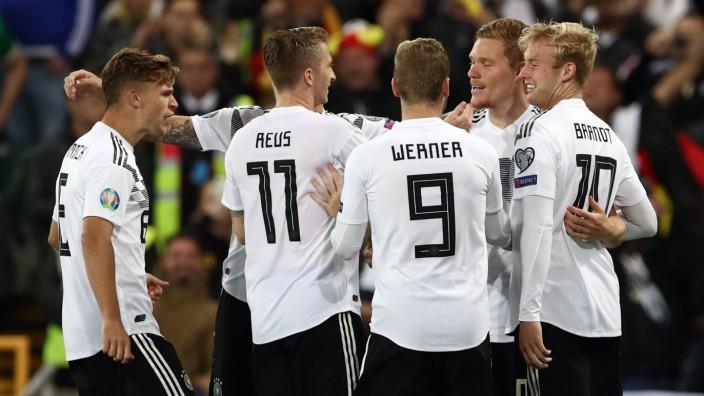 Deutschland Muht Sich Zum Sieg In Nordirland Sport Sz De