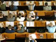 Hochschulpakt beschlossen 18 Milliarden Euro für die Wissenschaft, ddp