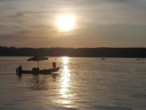 Ice boat sunset Starnberger See drinks ice cream