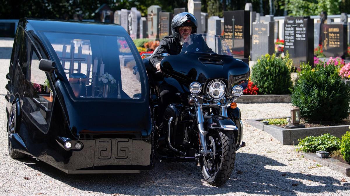 Bayern: Beerdigungen mit dem Motorrad