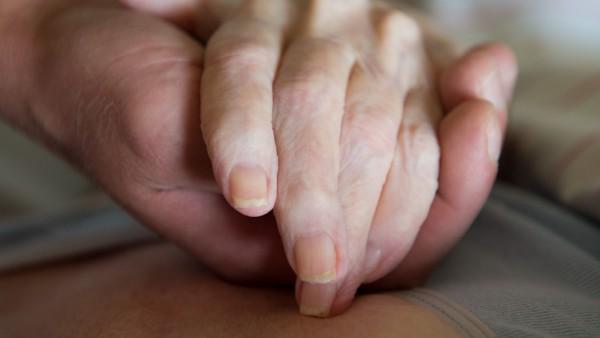 Ärztin nach Sterbehilfe für demente Frau freigesprochen