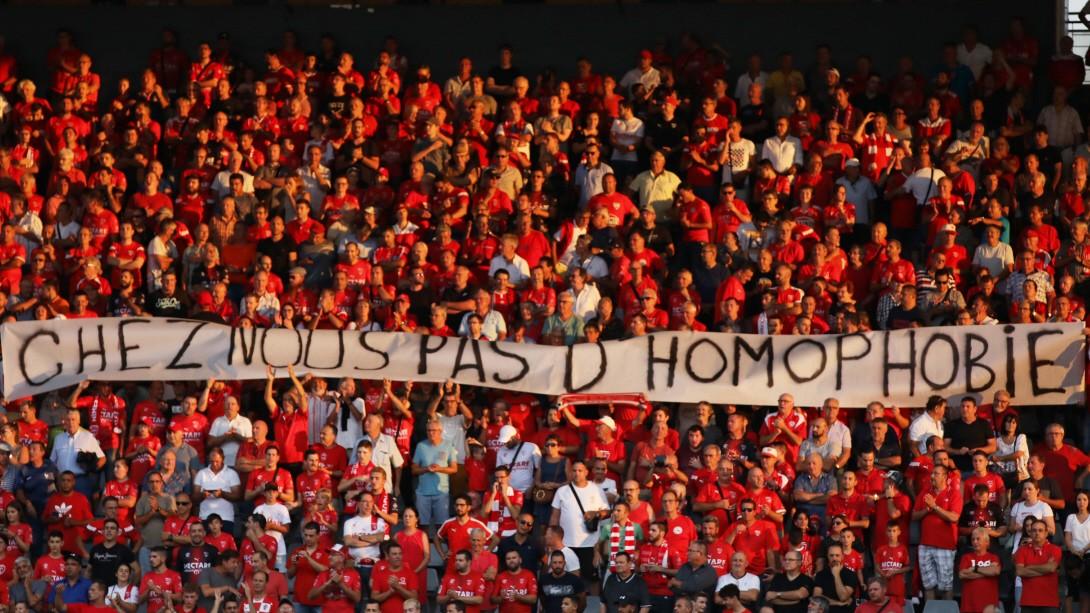 Fans in Frankreich: Homophob - oder einfach bloß dumm?