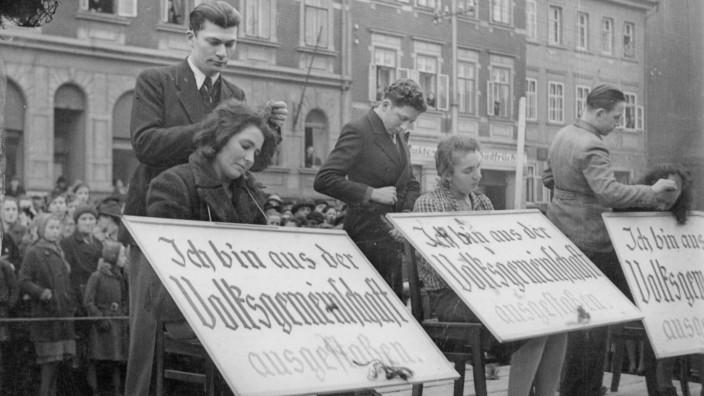 Ausgestoßene, 1933-1945