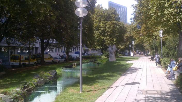 Die Stadt kann sich vorstellen, den Westlichen Stadtgrabenbach in der Herzog-Wilhelm-Straße wieder zu öffnen.