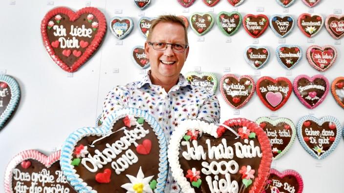 Stefan Vogler beliefert gut die Hälfte aller Oktoberfest-Sandbesitzer mit Süßigkeiten oder Zutaten.