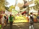 Klima-Demonstranten ziehen vor IAA-Gelände (Vorschaubild)