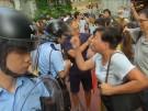Hongkonger Polizei trennt rivalisierende Demonstranten (Vorschaubild)