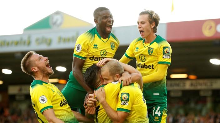 Premier League - Norwich City v Manchester City