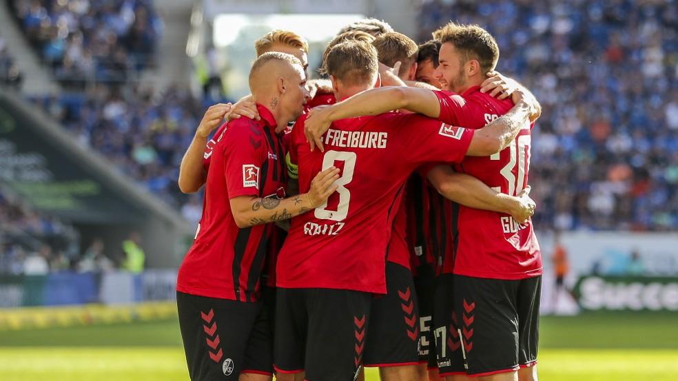 Bundesliga - Freiburg schiebt sich vor Bayern