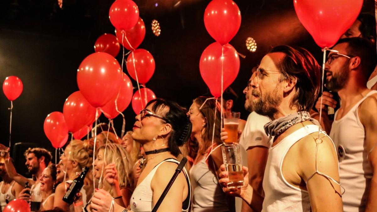Erlangen: Singen mit Bier in der Hand