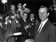 Kurras beim Prozessbeginn im Landgericht in Berlin 1967, dpa