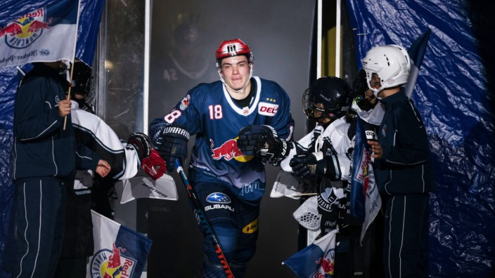 Eishockey, DEL, EHC Red Bull München -  Düsseldorfer EG; Justin Schütz