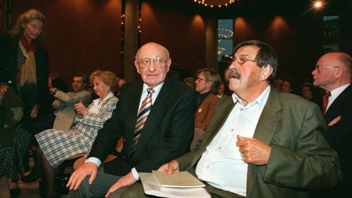 Günter Grass stellt sein neues Buch 'Ein weites Feld' vor