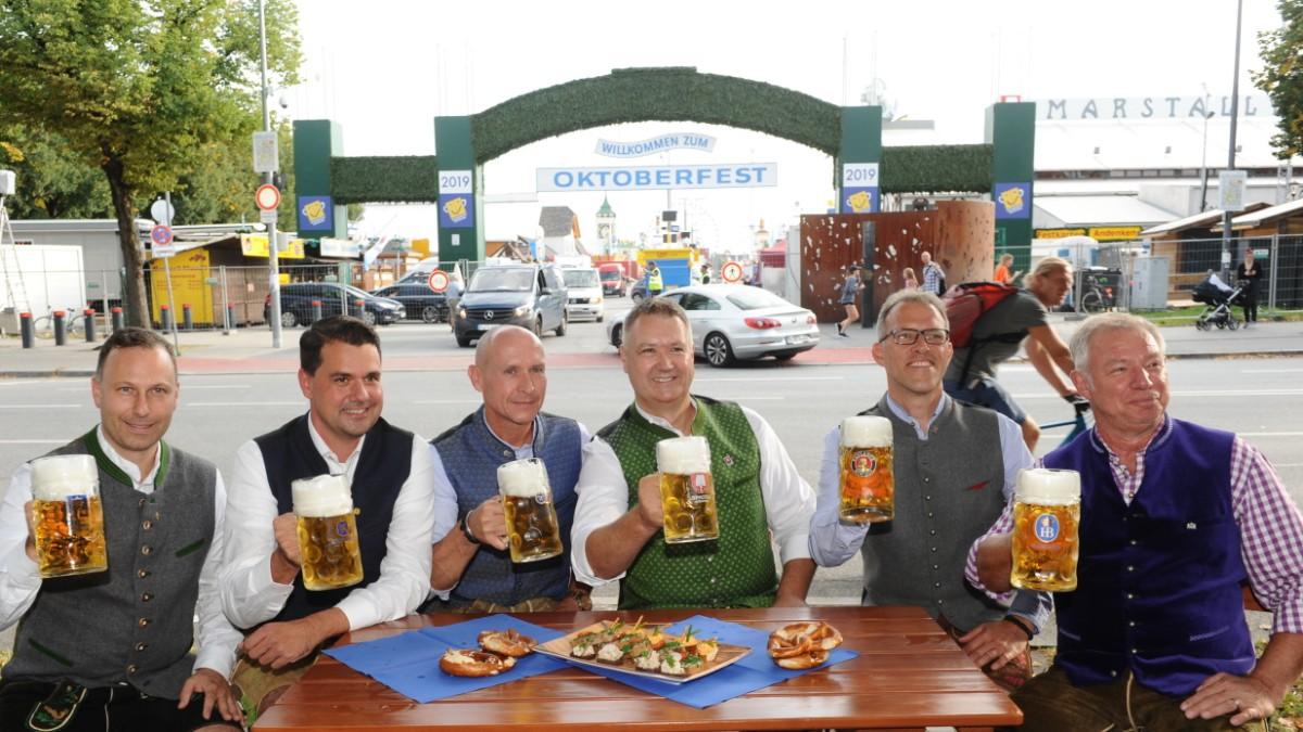 Oktoberfest München: Wirte bei Wiesnbierprobe