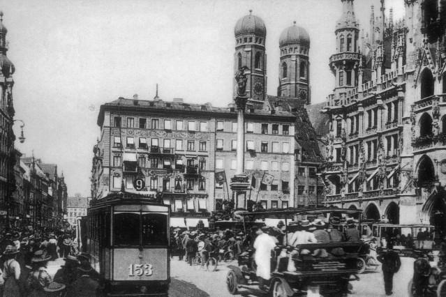 "Buchbesprechung ""Klaus Fröba: München, 1890 bis 1960"""