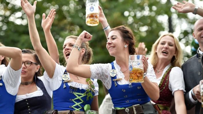 Bedienungen auf dem Oktoberfest in München