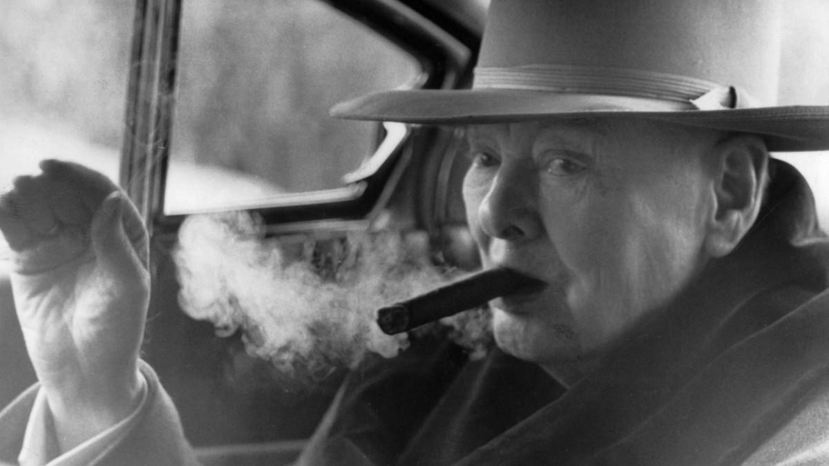 Bundesrat debattiert über Rauchverbot im Auto