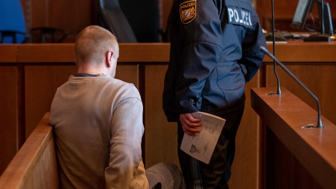 Landgericht: Prozess gegen Messerstecher von Nürnberg