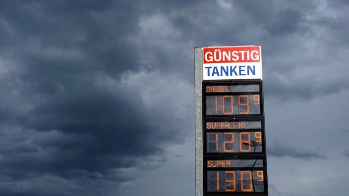 15 09 2017 Spritpreise Günstig Tanken Die Preistafel einer Freien Tankstelle V Markt in Bad Wö