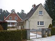 zwei häuser auf grundstück ; Schierenbeck/dpa-tmn