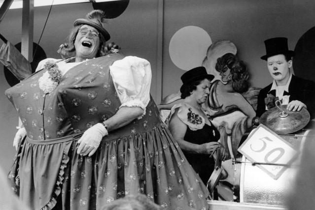 'Auf geht's beim 'Schichtl' - Oktoberfest - München, 1963