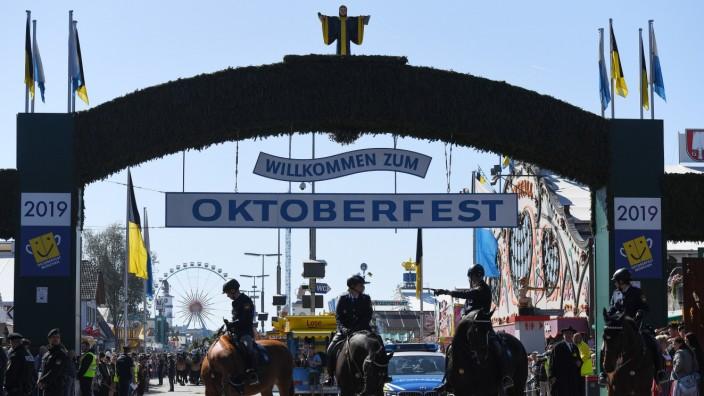 Oktoberfest München Rechte Parolen Und Homophobie München