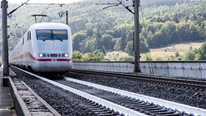 Bahn testet weiße Schienen gegen Hitze