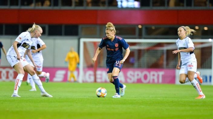 Linda Dallmann (FC Bayern München) mit Ball am Fuß München, Deutschland, 25.09.2019, 25.09.2019, München, Fussball, Frau; Fußball - Frauen - FC Bayern München - Dallmann
