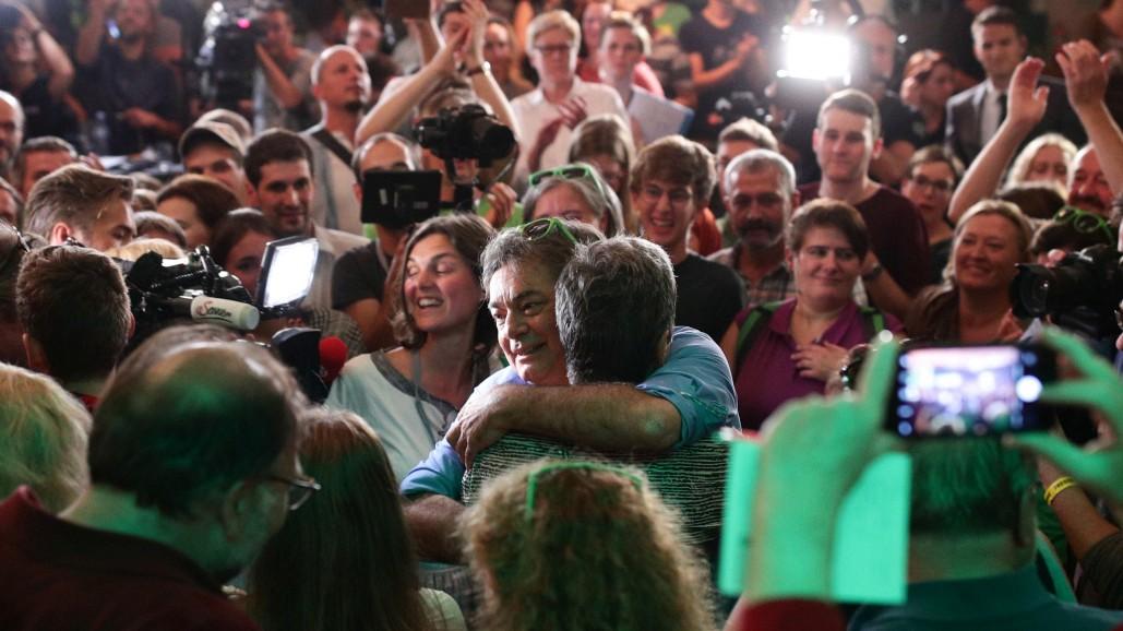 """Österreich-Wahl: Grüne euphorisch – FPÖ vor """"Neustart"""""""
