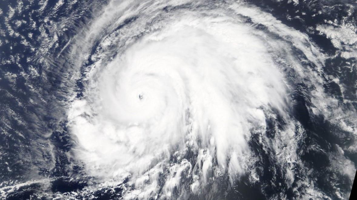 Wirbelsturm Lorenz: Ein Hurrikan fegt nach Europa