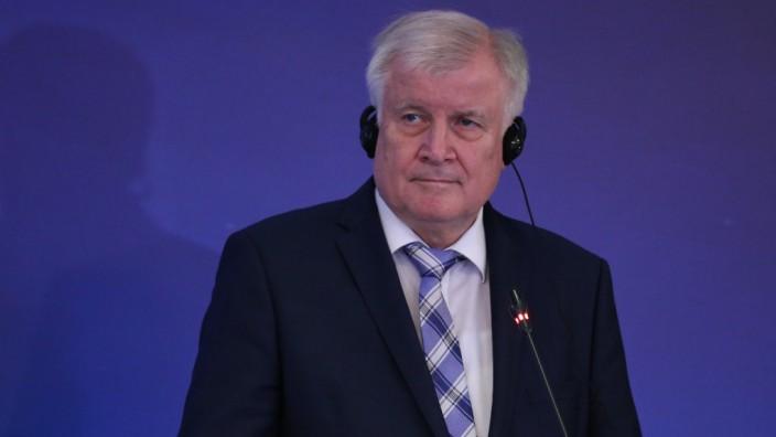 Horst Seehofer, Flüchtlingspolitik