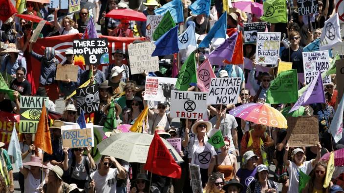 Klimaschutz: Aktivisten von Extinction Rebellion in Brisbane