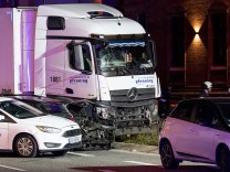 German police investigate truck crash with several injured