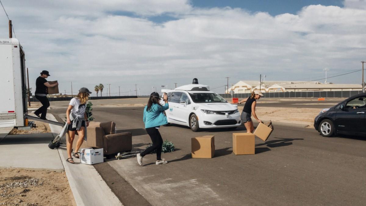 Google-Tochter Waymo schickt Roboterautos durch LA