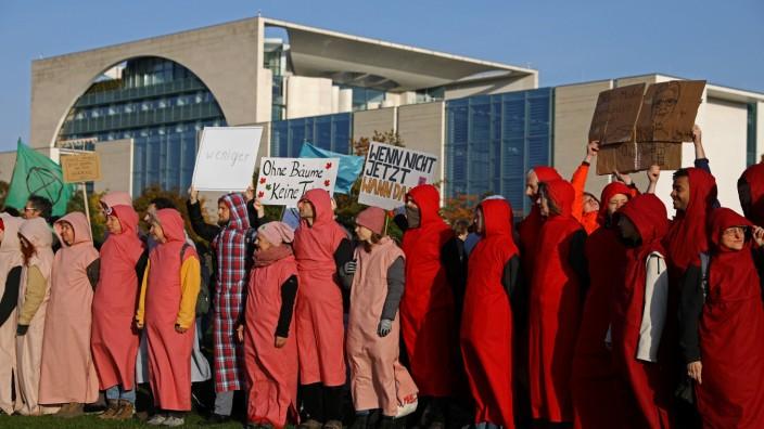 Klimaschutz: Aktivisten demonstrieren in Berlin