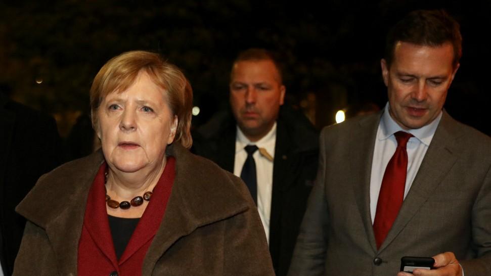 """Halle: Merkel zeigt sich """"bedrückt und schockiert"""""""