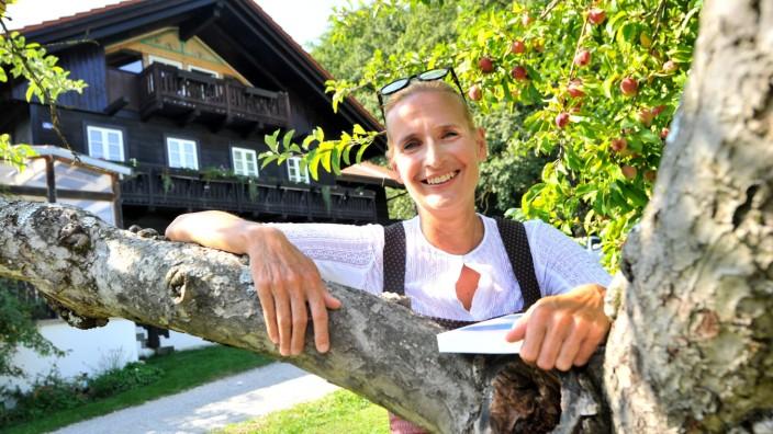 Dießen: Inga Persson Schatzbergalmwirtin und Kriminalautorin