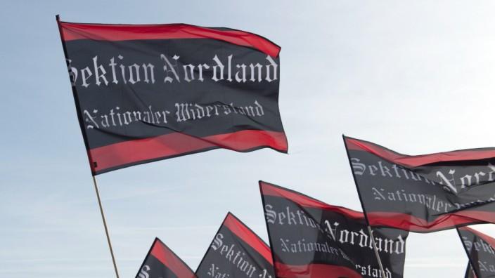 Demonstration von rechtsextremen Gruppen