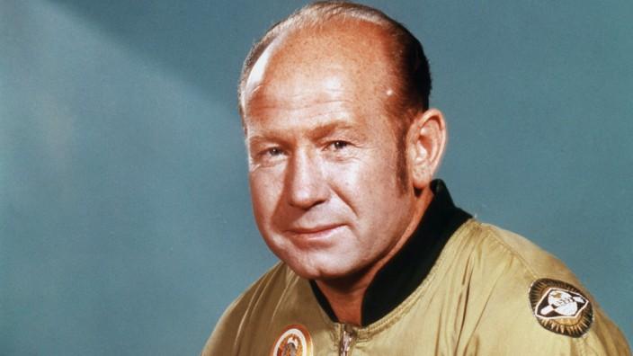 Erster Weltraumspaziergänger Alexej Leonow gestorben
