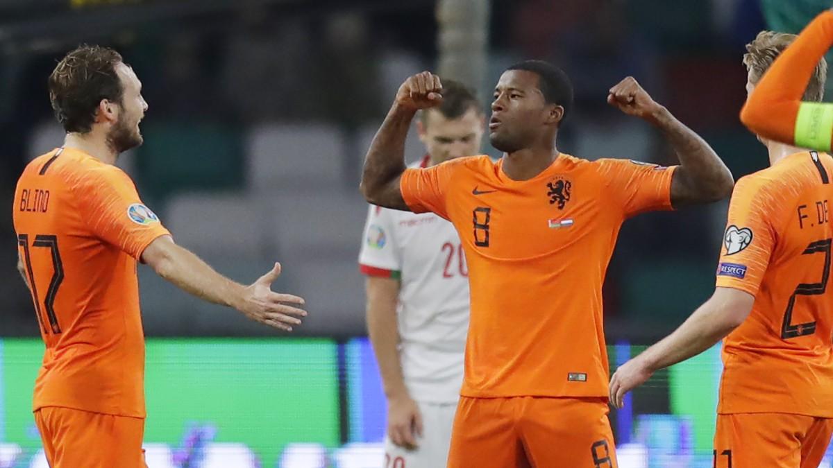 Wijnaldum trifft zweimal, Niederlande bleibt Tabellenführer