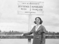 Frau an der deutsch-französischen Grenze, 1932