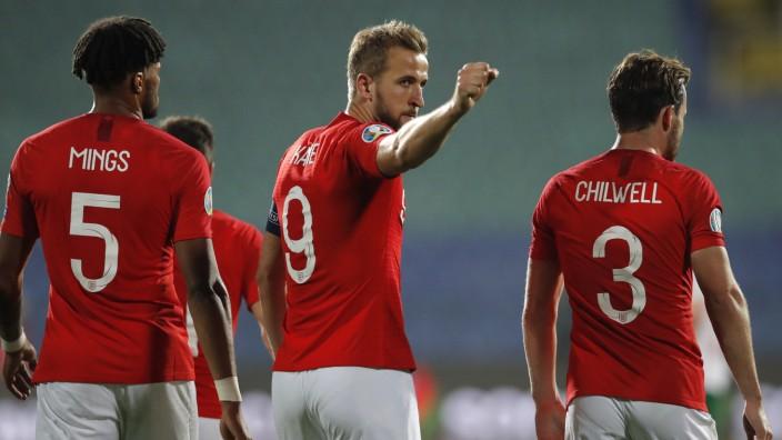 Harry Kane jubelt in de EM-Qualifikation gegen Bulgarien