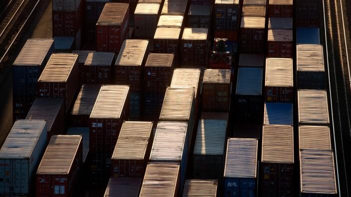 """Wirtschaft - Container im Terminal """"Altenwerder"""" des Hamburger Hafens"""