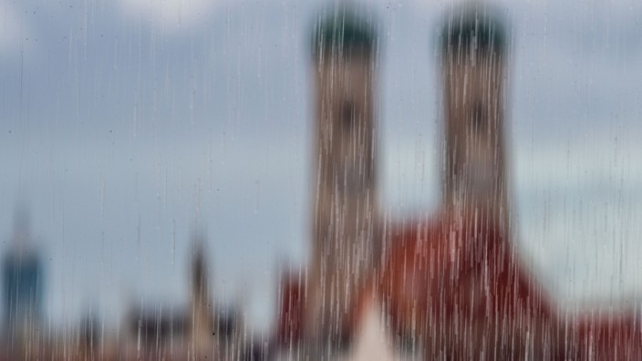 Münchener Skyline bei Regen