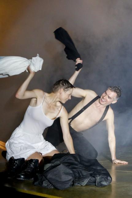 Brand von Henrik Ibsen Regie: Roger Vontobel Jana Schulz, Heiko Raulin Foto: Birgit Hupfeld